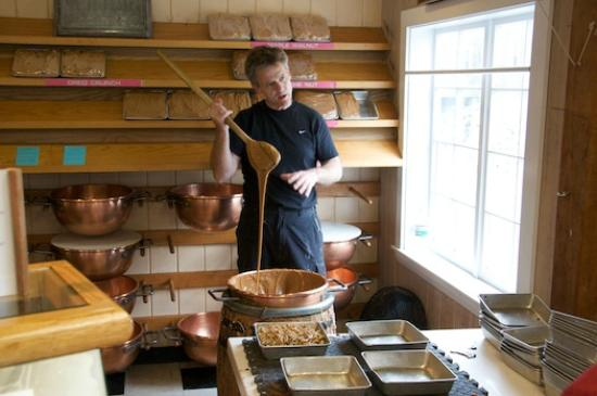 Rockport Food Tour : Hand whipped fudge!