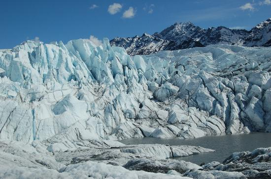 Mica Guides: On the glacier trek