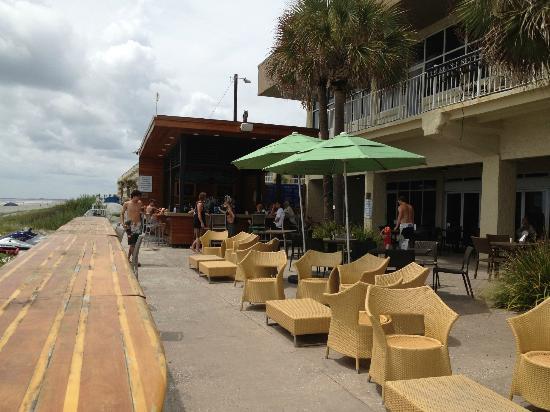 Blu Restaurant & Bar: deck area