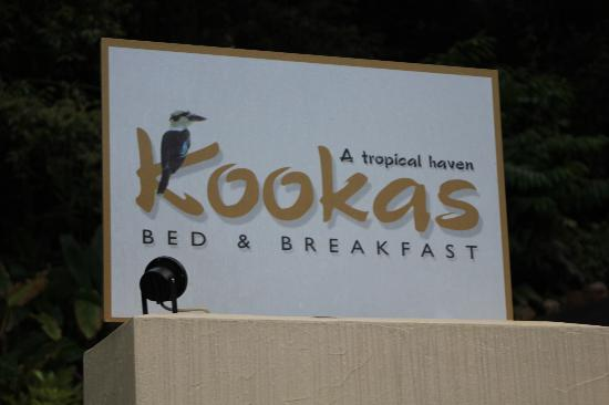 Kookas Bed & Breakfast: The signage