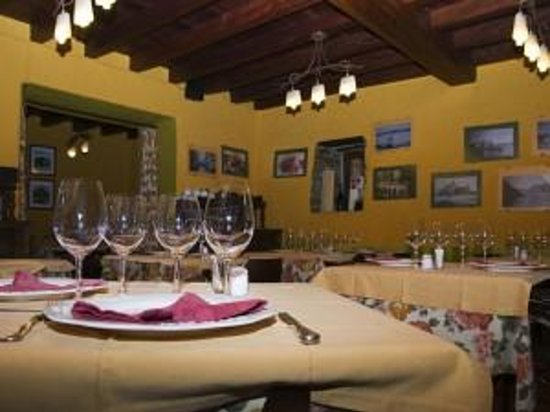 Hotel Restaurante La Villa: Salón Ribadeo