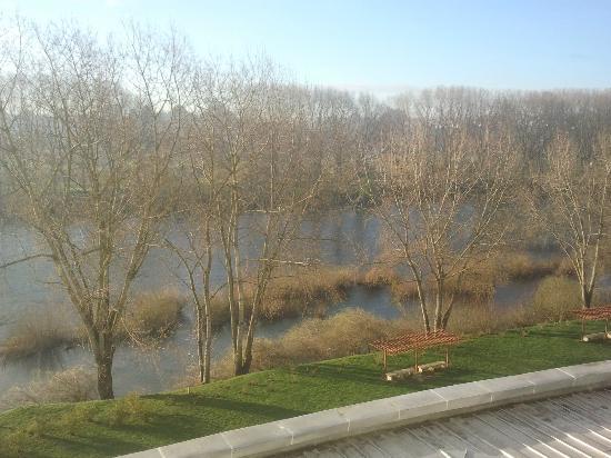 Sonesta Hotel Osorno: Vista al río