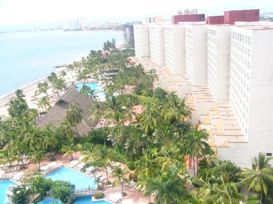 Sheraton Buganvilias Resort & Convention Center: Desde el balcón vista hacia el Resort