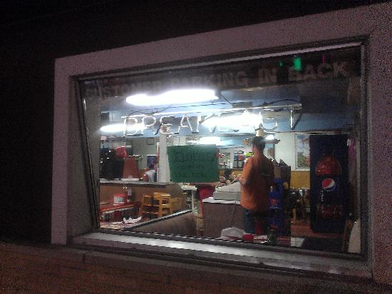 Colotlan Mexican Restaurant: Outside looking in