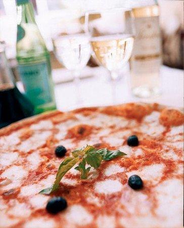 Serafina at The Time Hotel: Margherita Pizza