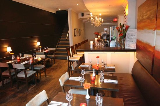 Carens Wine and Cheese Bar: Main Floor