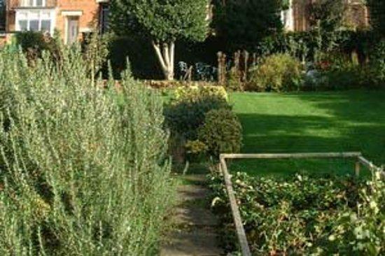 Hill Close Gardens Photo