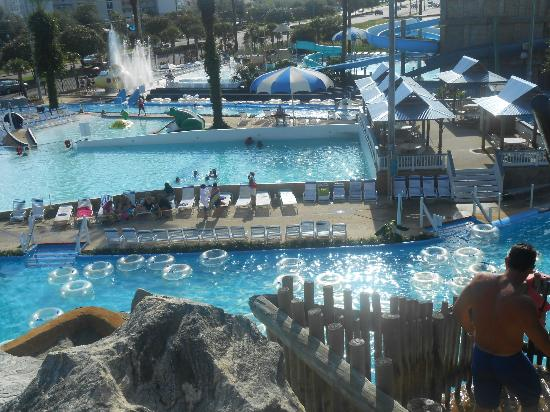 Big Kahuna's Water and Adventure Park: top view of the wave pool it was horrible but a nice view