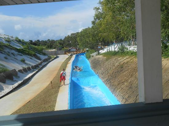 Big Kahuna's Water and Adventure Park: the lazy river and it is outdated and disgusting