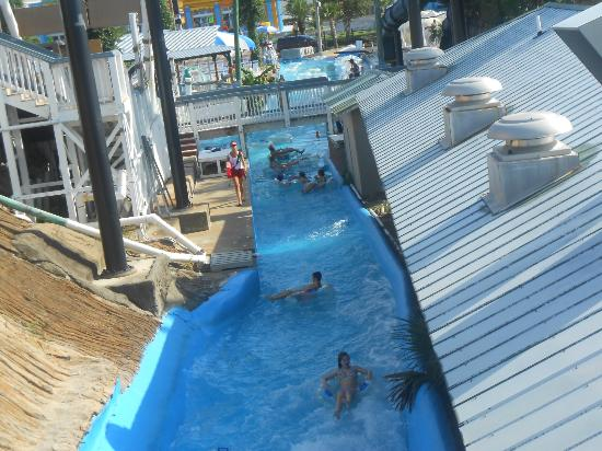 Big Kahuna's Water and Adventure Park: another view of the stinky lazy river