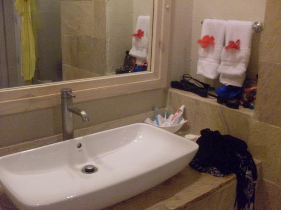 IFA Villas Bavaro Resort & Spa: Banheiros novos e limpos.