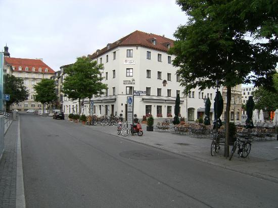 Hotel Blauer Bock: Das Hotel...