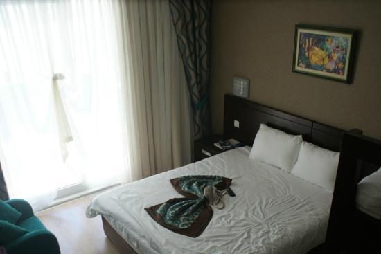 Catamaran Resort Hotel: Room