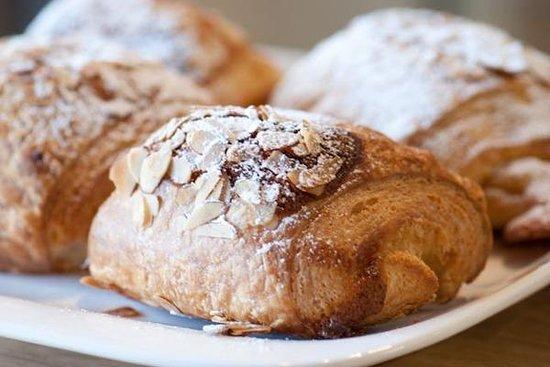 Blackbird Bakery: Almond