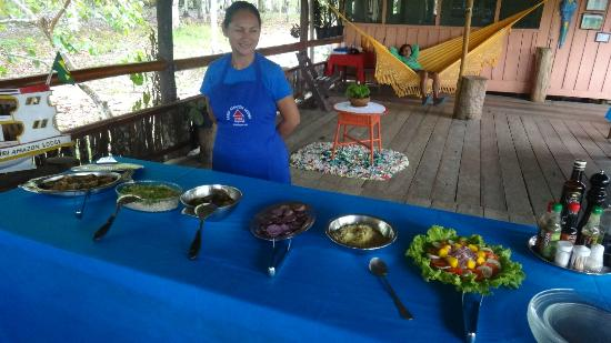 Tariri Amazon Lodge: Eating like gangnam style! We were really treated like VIPs! No lines.. just pure bliss...=)