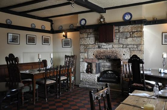 Staffordshire Knot Inn: Room to the right of the bar
