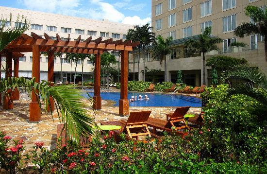 Real InterContinental Costa Rica at Multiplaza Mall: Nice garden too
