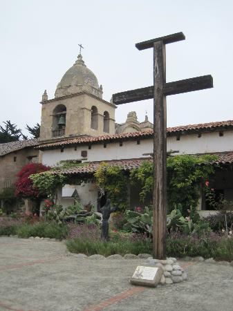 San Carlos Borromeo de Carmelo Mission: Beautiful!!