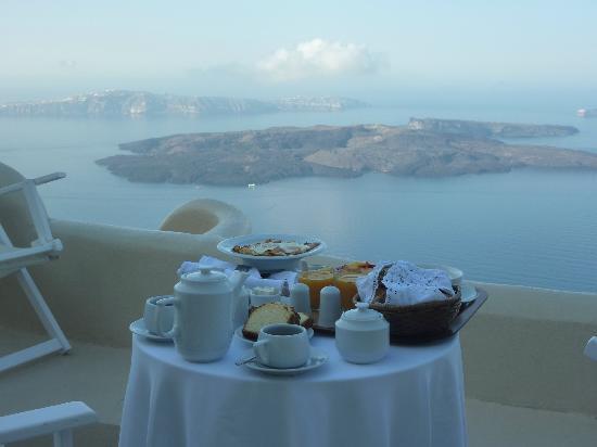 Artemis Villas: A lovely breakfast from the honeymoon suite