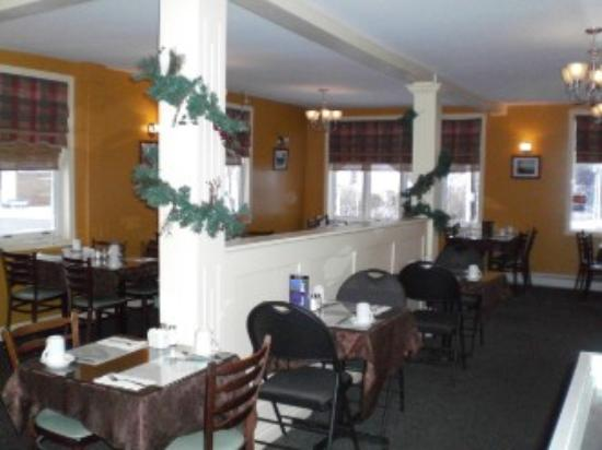 Louie's Cosy Corner: Main Dining Room