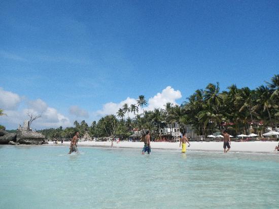 White Beach: Все наслаждаются раем