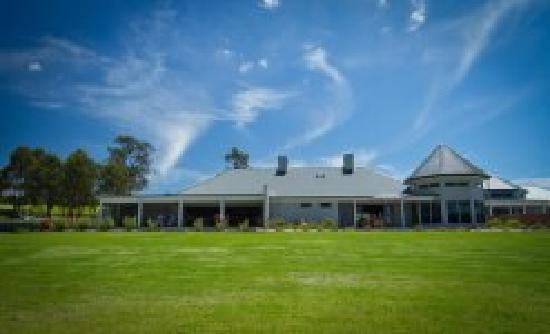 RidgeView Restaurant,Wines & Cottages: RidgeView