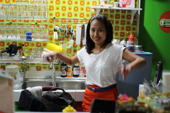 The Hangout Cafe': The nice staff