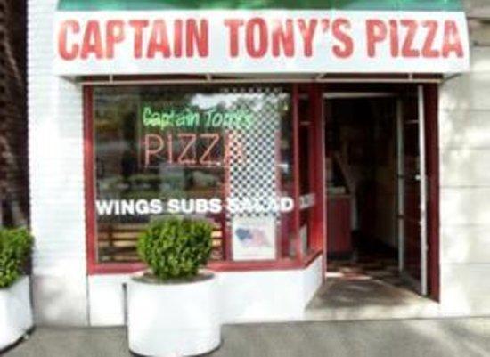 Captain Tony's Pizza & Pasta Emporium Foto