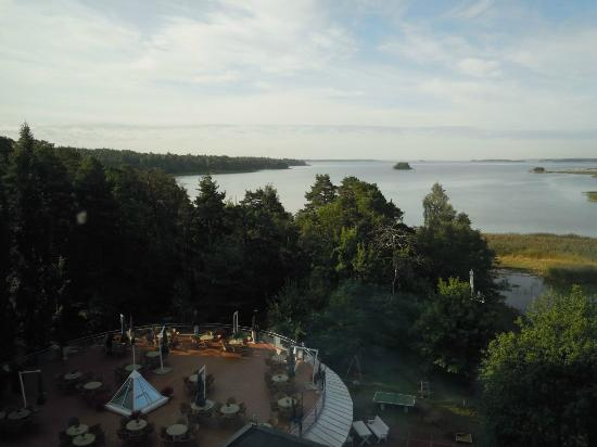 Ruissalo Spa Hotel: Vue, au petit matin, de la terrasse à partir de la chambre.