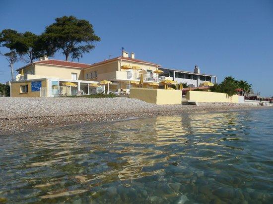 Hotel Lido Beach : vision de l'hôtel lors de la baignade