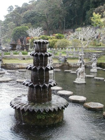Tirta Gangga: Water fountain
