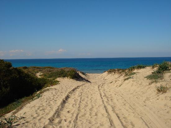 Villaggio Baia delle Mimose: accesso alla spiaggia
