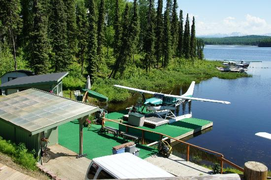 Talkeetna Denali View Lodge & Cabins: Just a few miles from the lodge - a great chance to fly to Mt.Mc Kinley