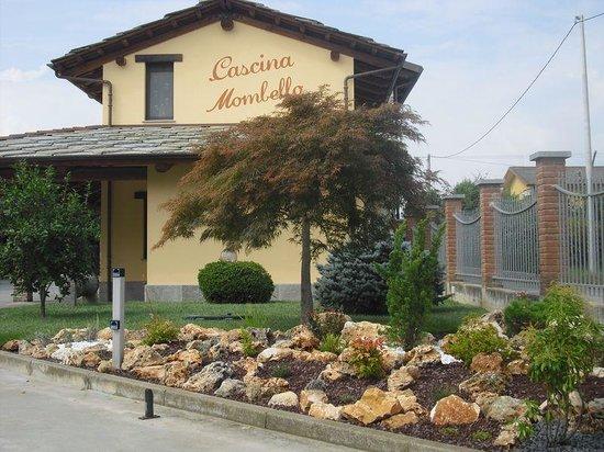 Cascina mombello cavour ristorante recensioni numero for Cascina merlata prezzi