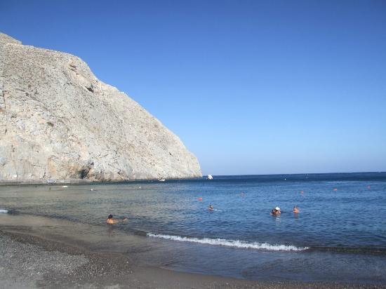 Perissa beach - Picture of Perissa Beach, Perissa ...