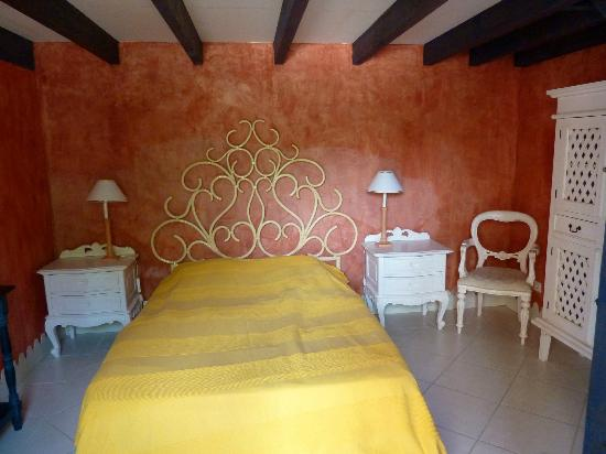 Chateau Rousselle: chambre