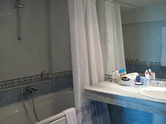 INTERNATIONAL Hotel Casino & Tower Suites : bathroom