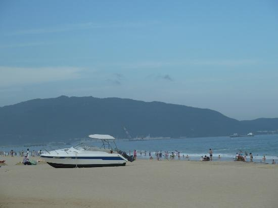 White sandy beach of Yalong Bay
