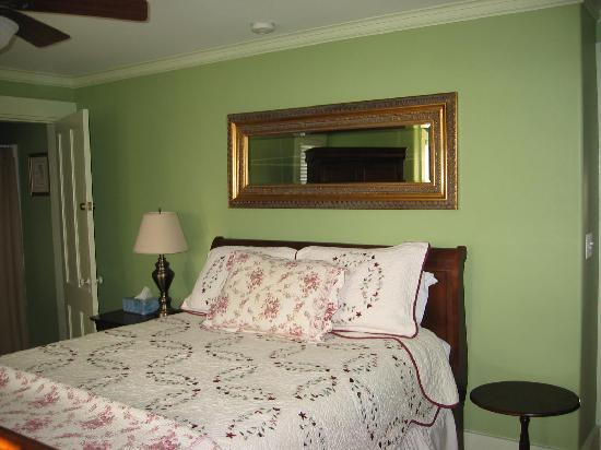 Scotch Hill Inn: Room 2 - Deluxe King Room