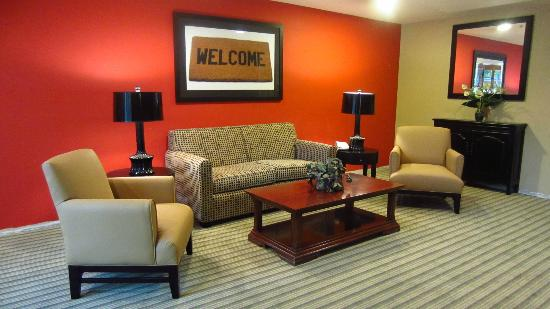 Extended Stay America - Omaha - West : the newly renovated hotel lobby :)