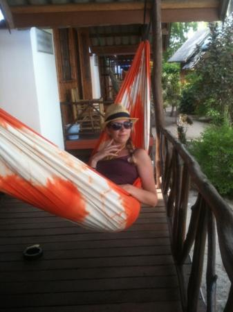 Coco Garden Resort: chilling on our hammock