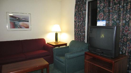 Extended Stay America - Omaha - West: living area