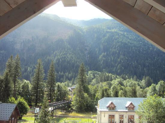 Pierre & Vacances Premium Residence La Ginabelle: vue depuis le séjour