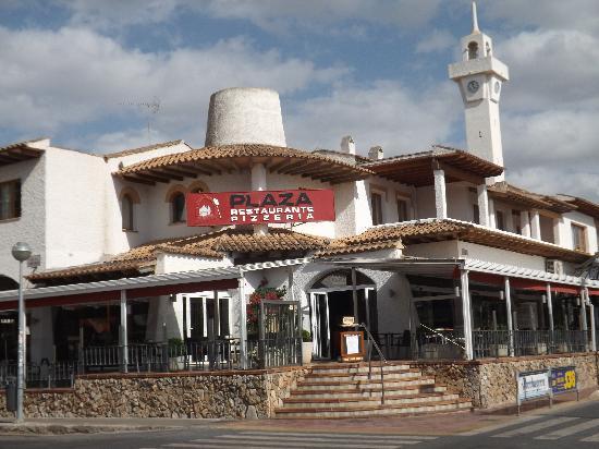 Restaurante Pizzeria Plaza: Eingangsbereich mit Blick auf das RIU Center