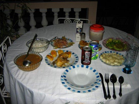 Villa Los Pandaderos: Deliciosa cena en la terraza de la habitación