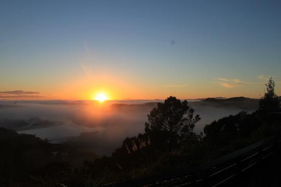 كوكس لوكاوت موتل: Sunset from room 