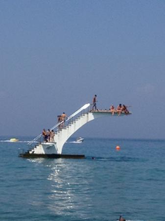 Elli Beach: βατηρας