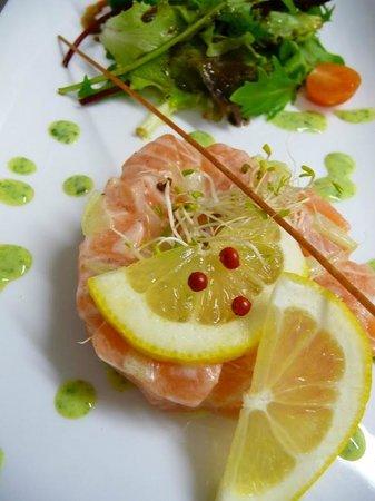 Aux Fourneaux : Tartare de saumon aux agrumes