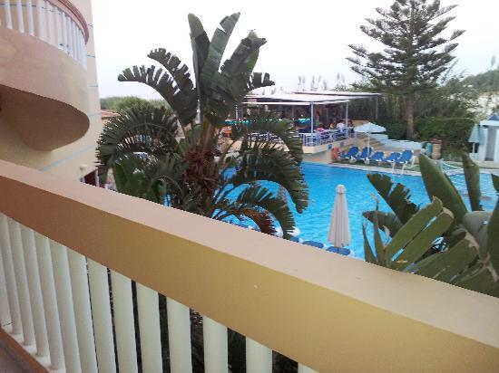 فيوتورا هوتل: Balcony view 