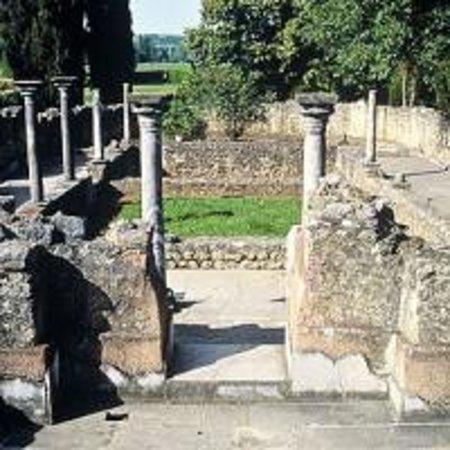 Foto de Montmaurin Archaeological Site